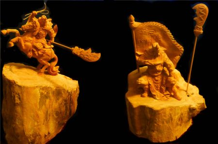 Photo of Guan Yu wood carvings